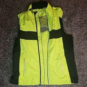 Brooks reflective running vest women's size medium